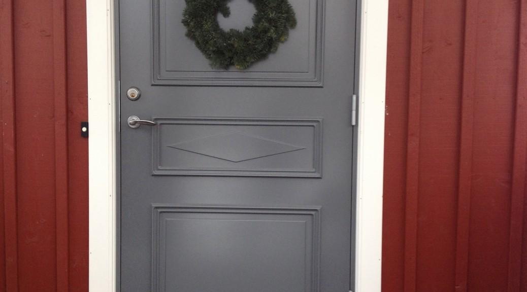Ommålad ytterdörr